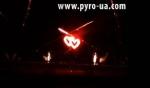Двойные сердца с кометами и фонтанами
